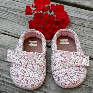 Tom's Baby Shoes (Girl)  Size 2.